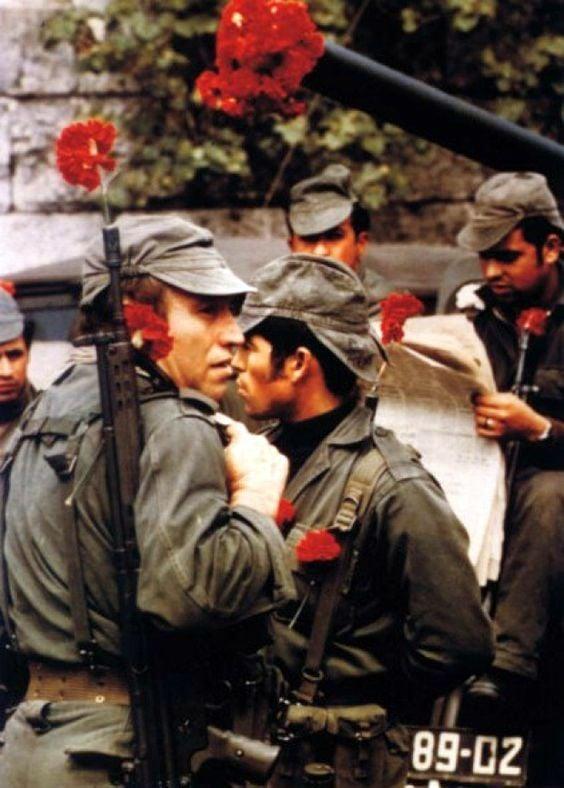 A Revolução dos Cravos, Portugal 1974