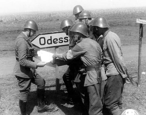 Romanian soldiers on eastern front heading to Odessa