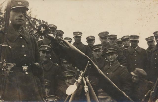 Lithuanian with butcher bayonets
